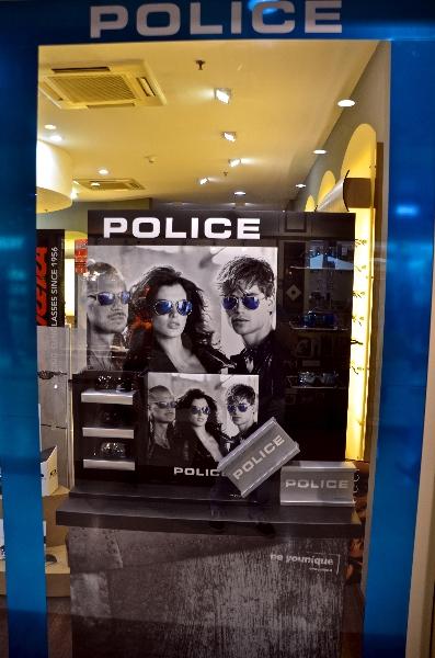 Vetrina POLICE